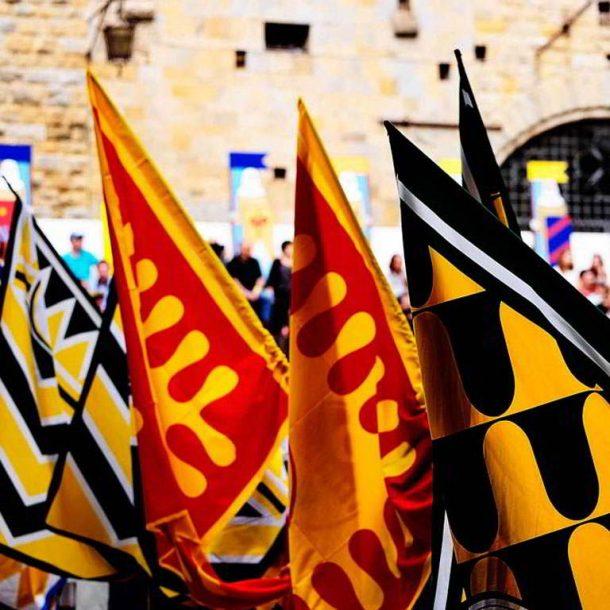Soggiorna all'Agriturismo il Pratone e partecipa alla festa medioevale di Volterra